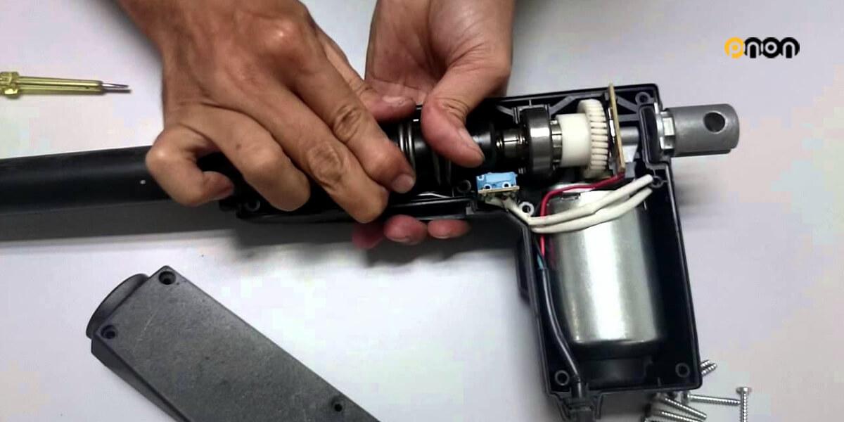 repairing-linear-actuator